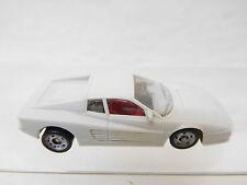 eso-4000Monogram 1:87 Ferrari Testarossa mit minimale Gebrauchsspuren