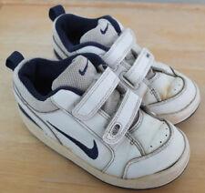 Nike Hallen Turn Schuhe EU 26 US 9C UK 18,5 CM 15 TOP Non marking Sohle