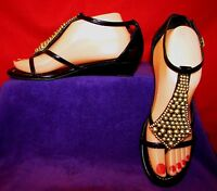 JESSICA SIMPSON JP-GLORIA SZ 8 BEADED FAUX PATENT LEATHER THONG WEDGE SANDALS