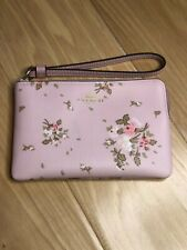 Coach Corner Zip Wristlet Bag Roses Bouquet Print Bloosssom