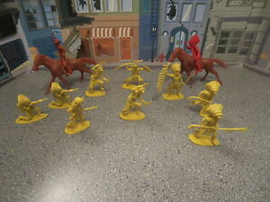 VINTAGE PLASTIC COWBOYS AND INDIANS LOT OF 11  HIGHLY DETAILED HONG KONG