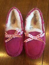 Girls Ugg Size 2 Dakota Pink Magenta Slippers With Heart Ribbon