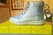 Khombu kiara girls Round Toe Winter Boot warm /& lightweight for all activities