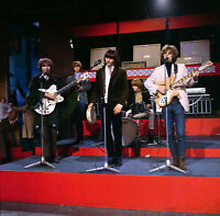 The Byrds Group Photo 8x10 Picture Celebrity Print