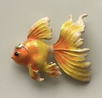 Adorable  tropical fish pin brooch in enamel on metal
