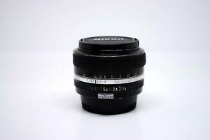 Nikon AI NIKKOR 50 mm f/ 1.4 MF + Nikon HN-3