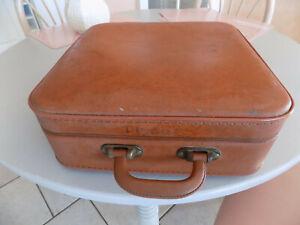 Ancienne petite valise de voyage vintage rangement divers 36 x 36 x 14 cms