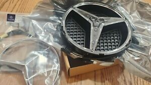 NEW OEM Mercedes Benz CLA lighted illuminated grille star AND wire harness