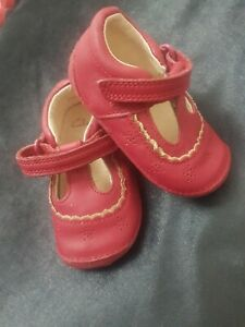 Baby Clarks Pre Walkers size 3 1/2 G