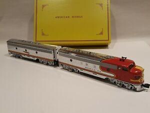 S Scale American Models Santa Fe F7 A/B CHROME Powered Scale Model LNIB