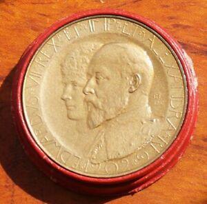 Edward VII Coronation Medal 1902, Kidderminster issue, bronze gilt, 35mm. in box