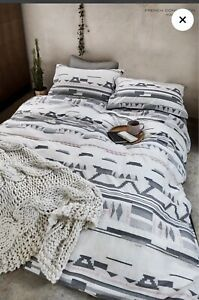 French Connection Mexico Double Bedset - RRP £75- luxury Bedding - CLEARANCE!!