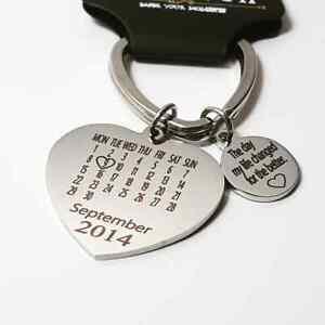 Personalised Heart Calendar Date Keyring Valentines day, Anniversary, Birthdays
