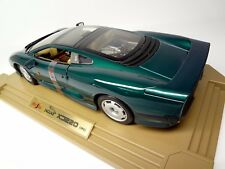 Jaguar XJ220 1:12th scale diecast by Maisto Still NIB Green version 1/12 1:12