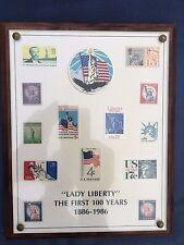"""Placa de nogal de sellos de Estados Unidos - """"Lady Liberty"""" de los primeros 100 años 1886 -1986"""