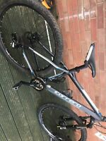 carrera vengeance mountain bike for spares or repairs