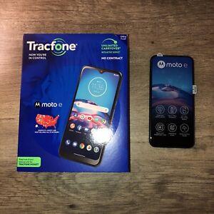 Tracfone Motorola XT2052DL Smartphone