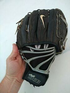 "Nike Baseball Glove Mitt Kaos Web RHT  Size 1105/ 11.00"" Black Webfit"