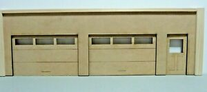 1/24 SCALE DIORAMA GARAGE DISPLAY OPENING DOORS  UNFINISHED AD YOUR TOUCH
