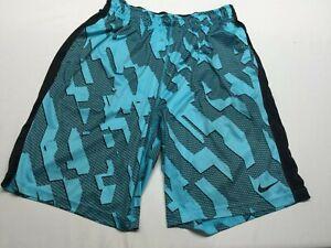 Nike Dri Fit Basketball Shorts Size Large pockets and drawstrings