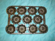 Vintage Cast Iron #30 Cup Cake Mini 11 Bundt Pan Rare