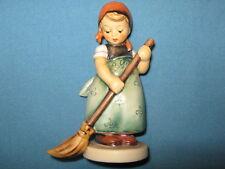 "hummelfigur 171 Kehrliesl "" - Little Sweeper - Older Figurine - 1. Quality"