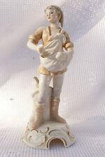 Sujet en porcelaine GOEBEL BOCHMANN Jeune Homme semeur 1972 ref 551c