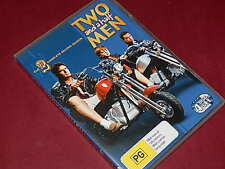 TWO AND A HALF MEN - Complete Second (2) Season - 4-Disc DVD   Like New