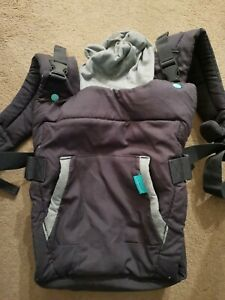 Infantino 5331 Cuddle Up Ergonomic Hoodie Baby Carrier - Grey
