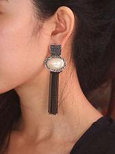 Boucles d`Oreilles Clous Art Deco Pompon Noir Gros Perle Blanc Carré XX 8