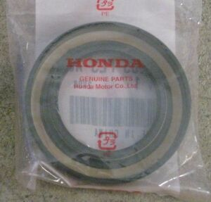 91205-PL3-B01 90-93 INTEGRA  TSX 2.4L ILX 6 SPD OEM HONDA LEFT AXLE SEAL