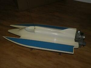 K&B 3.5cc Inboard R/C Boat Engine and tunnel hull wooden boat