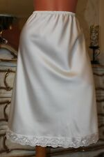 """(10) Elegante Satén de imitación de marfil Hermoso BORDADO ENAGUA CINTURA SLIP 28"""" - 46"""""""