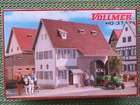 """Vollmer 3717 ~~ Bausatz """" Bauernhaus """" in der OVP"""