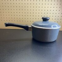 Vintage Club Aluminum 1.5 Quart Speckled Sauce Pan With Lid