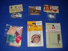 Miniature accessories: saki set, framed picture, etc., 1:12 scale, Nib, lot #26