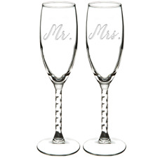 """Mr and Mrs"" 2 pcs Engraved Wedding Champagne Glass Flute Set"