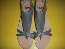 Earth Shoes Pisa Olea Perf. Leather Low Wedge Thong Sandals Women's 12 M Blue ~