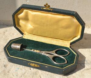 petits ciseaux de couture par GRIFFON dans son étui - poinçon H&M Griffon