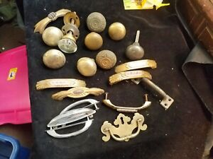 20 Assorted Vintage Brass Metal Glass Door Knob's and Drawer Pulls
