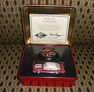 JOHNNY LIGHTNING  COLLECTOR CLUB 1971 OLDS 442 W-30 NIB with tin ERTL 1:64