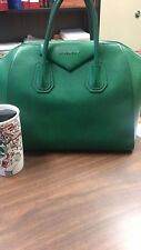 Givenchy antigona medium green, good condition, grained leather