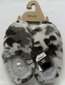 Boys - Slippers - Grey Camouflage - Size 1-2 - Brand New