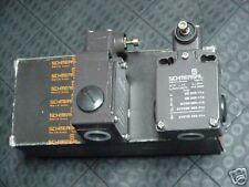 SCHMERSAL Z4V7H 355-11Z LIMIT SWITCH W/O ARMS NEW QUANTITY