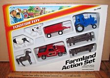 Vintage 1985 Tootsietoy Tractor Wagon Cow Truck Farmland Action Toy Set #1748