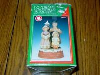 "VINTAGE Flambro - Musical Victorian Christmas - ""Deck the Halls"" Music Box 1985"