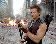 Jeremy Renner UNSIGNED photo - G1093 - The Avengers