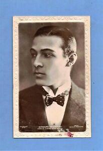 POSTCARD VINTAGE / Rudolph Valentino + bowtie / Silent Movie Actor / Beagles
