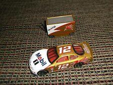 1:64 Nascar #12 Jeremy Mayfield Ford Taurus (gold) with War Wagon Hotwheels