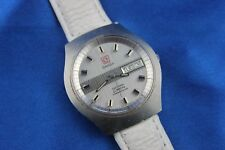 Vintage Omega Electronic F300Hz Chronometer Day Date Stainless Men's Wtch